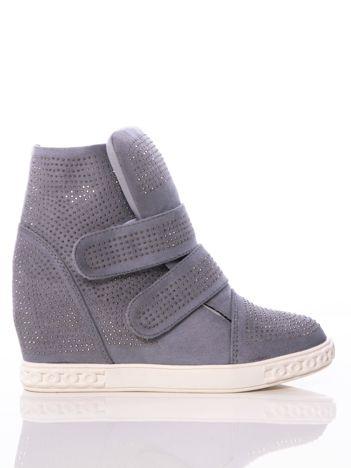 Szare sneakersy na rzepy zdobione błyszczącymi dżetami