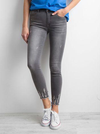 Szare spodnie ankle jeans z wysokim stanem