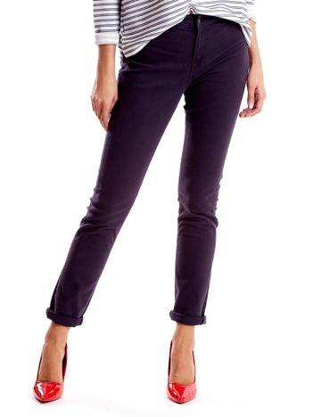 Szare spodnie damskie o prostym kroju