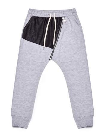 Szare spodnie dresowe chłopięce z suwakiem