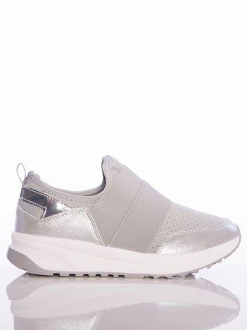 Szare wsuwane buty sportowe Rue Paris z ażurową cholewką i opalizującymi wstawkami