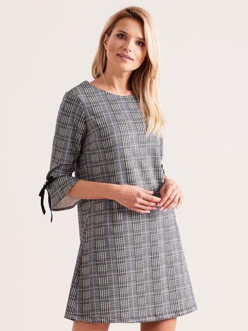Szaro-niebieska sukienka w kratkę