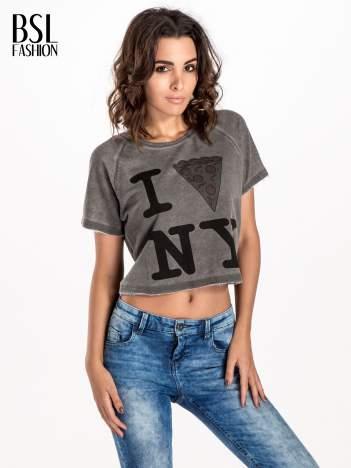 Szary t-shirt cropped z motywem pizzy