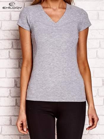 Szary t-shirt z tłoczonym nadrukiem