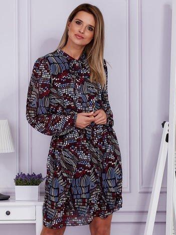 Szyfonowa wzorzysta sukienka z wiązanym dekoltem