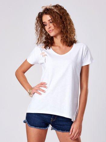T-shirt biały z kwiatowym haftem