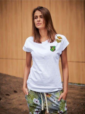 T-shirt damski biały z naszywkami ARMY