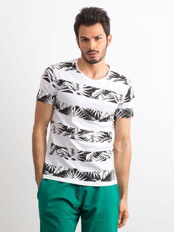 e459df3ce707 T-shirt męski z nadrukiem roślinnym biało-czarny