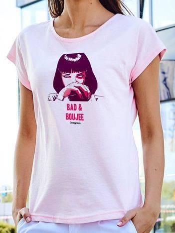 T-shirt z animowanym nadrukiem kobiety jasnoróżowy