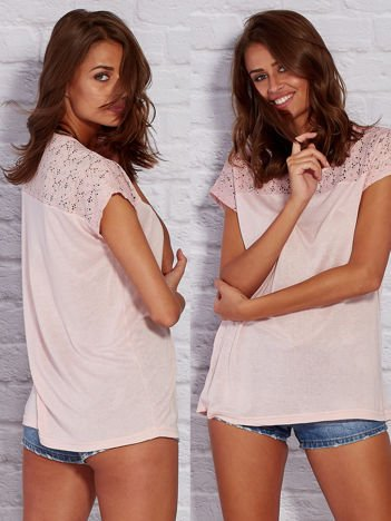 T-shirt z ażurową górą różowy