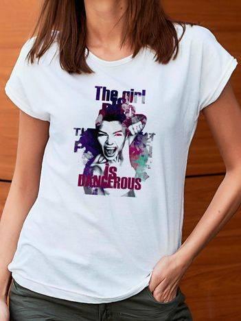 T-shirt z ciekawym nadrukiem biały