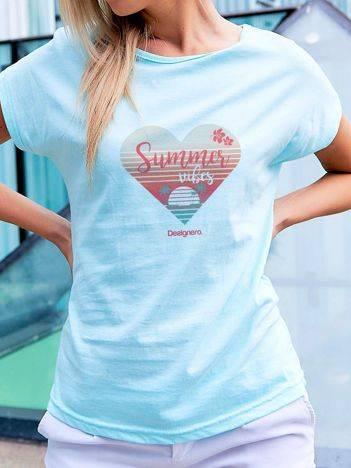 T-shirt z plażowym nadrukiem turkusowy