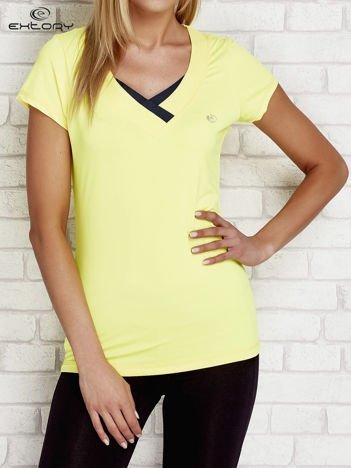 T-shirt z trójkątnym dekoltem żółty