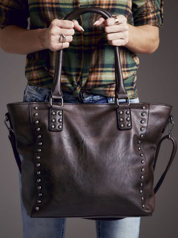 Torba shopper z ozdobnymi ćwiekami ciemnobrązowa