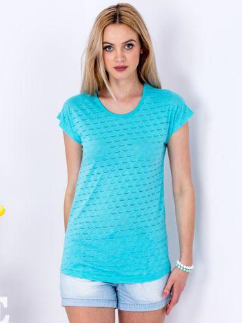 Turkusowy t-shirt z ażurowaniem