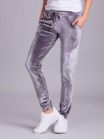 Welurowe spodnie dresowe szare