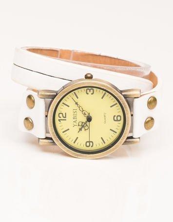 Zegarek damski na skórzanym białym pasku owijanym wokół nadgarstka