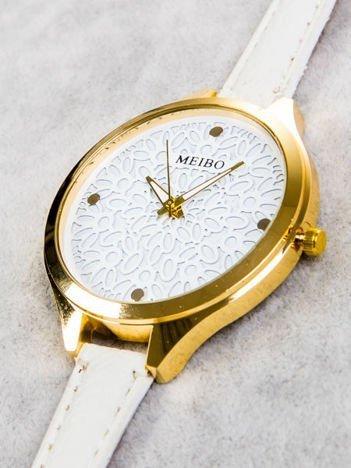 Zegarek damski z koronkową tarczą