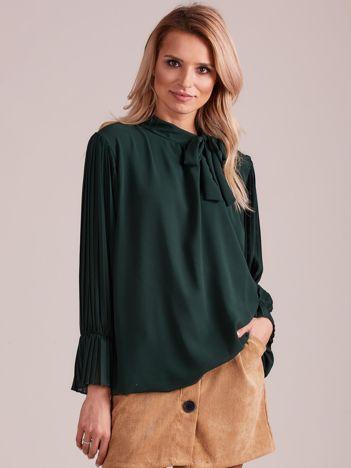 Zielona bluzka z plisowanymi rękawami
