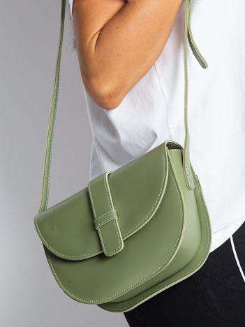 Zielona mała torebka miejska