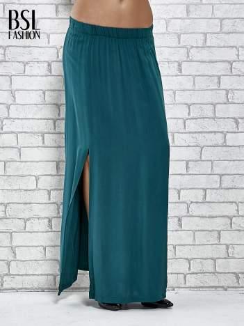 Zielona spódnica maxi z rozporkami z przodu