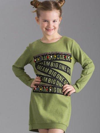 Zielona sukienka dziewczęca w stylu boho