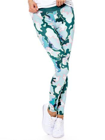 Zielone legginsy w abstrakcyjne wzory
