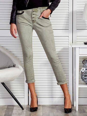 Zielone spodnie z cekinowymi kieszeniami