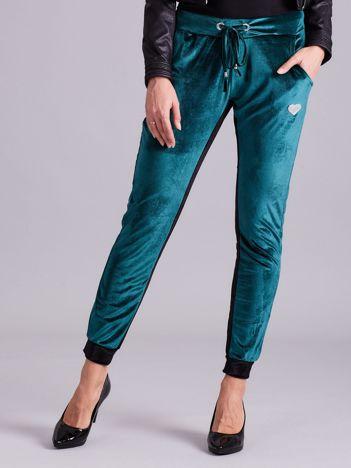 Zielone welurowe spodnie dresowe