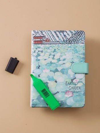 Zielony notes z zapięciem
