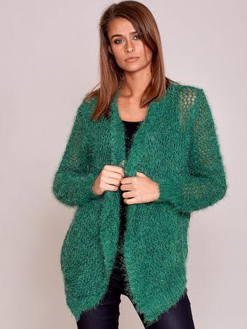Zielony sweter ażurowy ścieg