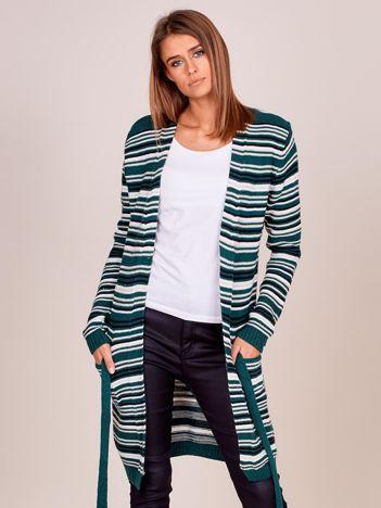 Zielony sweter w paski z wiązaniem