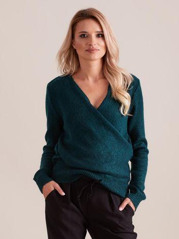 Zielony sweter z kopertowym dekoltem