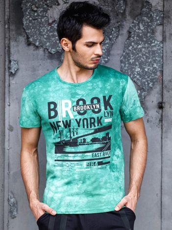 Zielony t-shirt męski z motywem urban print