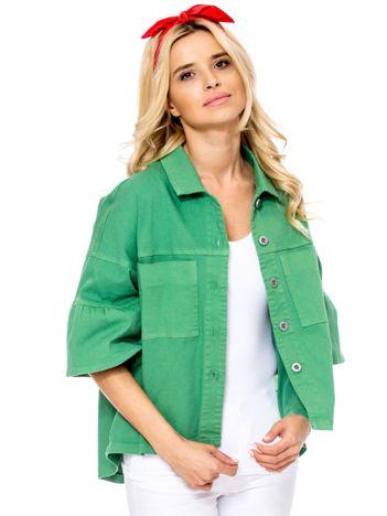 Zielony żakiet z szerokimi rękawami