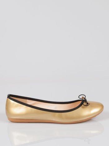 Złote baletki z czarną kokardką i lamówką