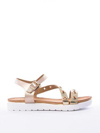 Złote sandały SABATINA z ozdobnymi nitami