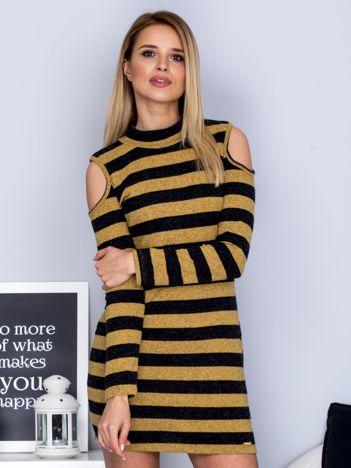 Żółta sukienka w paski z wycięciami