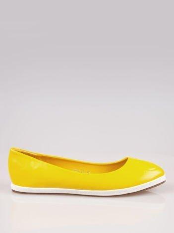 Żółte baleriny Sunny ze smukłym noskiem na kontrastowej podeszwie