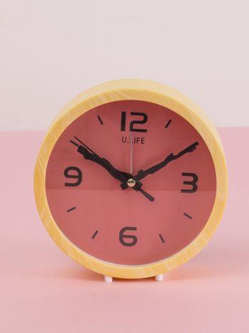 Żółto-koralowy okrągły zegarek biurkowy