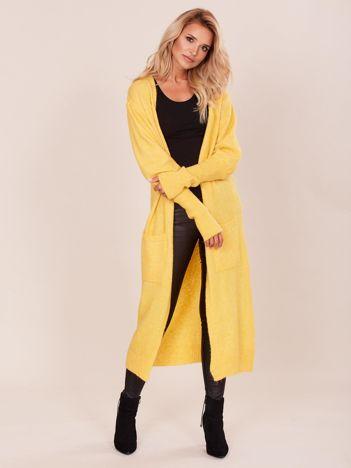 Żółty długi sweter z szerokimi ściągaczami