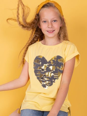 Żółty t-shirt dla dziewczynki z cekinowym sercem