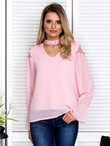 Zwiewna bluzka z chokerem i perełkami różowa