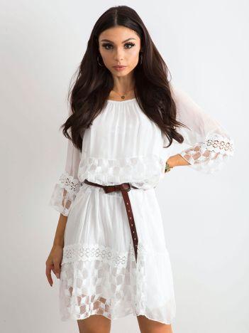 Zwiewna sukienka damska biała