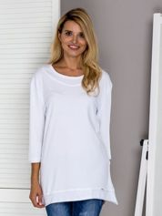 Biała bluza z surowym wykończeniem