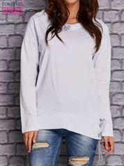 Biała bluza z wiązaniami