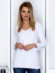 Biała bluzka z trójkątnym dekoltem