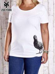 Biały t-shirt z nadrukiem gołębia PLUS SIZE
