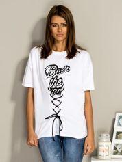 Biały t-shirt ze sznurowaniem