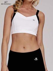 Biały top stanik sportowy z czarnymi ramiączkami i wycięciem z tyłu